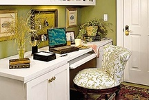 Office/Craft Spaces / by Gidget Doughty