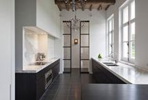 Home - Kitchen Dark / Metal