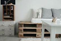 nesting. living room / Cozy, Modern Living Room Decor Inspiration.