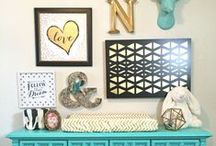 Nursery Gallery Wall / Great ideas and inspiration on how to create a gorgeous gallery wall in your nursery!