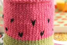 Knit By Bit - Easy Knitting Tutorials / Last minute gift or looking for a great quick project? These Quick Knit Tutorials are all you need! These fast and easy knitting tutorials are perfect for the beginner or the experienced on a time crunch :)