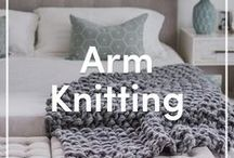 Arm Knitting Patterns and DIYs / Jump on the Arm Knitting trend for some super chunky home projects and DIYs! The coziest big comfy blankets you'll ever find, and more!