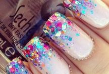 Polish Your Nails Like a Lacquerista  / Nail art. Funky nail designs. Polished pointers.