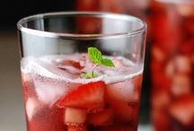 Drinks / by Diana Zamora