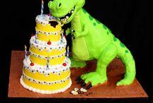 Celebration Cakes / by Diana Zamora