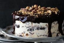 Cake / by Diana Zamora