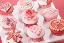 Valentines Day Cupcakes / by Bella Cupcake Couture