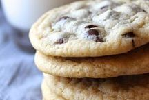 The Cookie Jar / Cookies, cookies, and more cookies! All the cookie recipes you could ever want in one place!