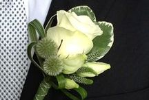 Buttonholes / Buttonholes can be simple single flowers or you can add a selection of flowers to make something more unusual.