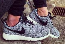 ★ CHAUSSURES ★ / Shoe Business: parce qu'on a jamais assez de paires de chaussures...