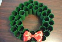 Christmas Crafts and Christmas Ornaments / Best Christmas craft ideas and Christmas projects to create. Christmas ornaments for family and friends and creative ideas to give someone for Christmas.  Making your own gifts.