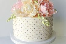 Cakes: Decorating How-To / Cake/cupcake decorating. Techniques and ideas
