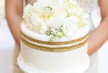Cakes & Cupcakes / by Caroline Simpson