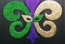 { Mardi Gras and Lent: Crafts, Recipes, and Decor } / Mardi Gras and Lent: Crafts, Recipes, and Decor {http://alifeinbalance.net} / by Barb Hoyer: A Life in Balance