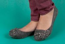 Super Shoes & Handbags / by Danielle Petoukhoff