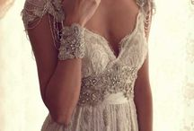 Wedding Gowns / Wedding dresses / by Wilma Lopez