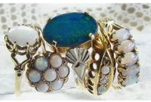 Vintage cocktail ring / Wonderfully big and bold rings from a vintage era. Just right for a glamorous occasion when its your turn to sparkle.