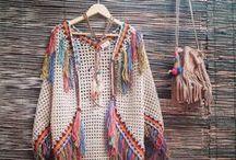 Haken en Breien Inspiration Crochet and Knitting / Haken en Breien #Crochet and #Knitting No Patterns Just inspiration and creative ideas. Truien, tops, en meer. Heel veel inspiratie om zelf dingen te bedenken en cratief bezig te zijn met naaldkunst. Haken, breien, tapestry, naaien, ontwerpen en borduren.