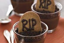 Treats 'n Eats: Halloween. / Boos, spooks, + treats galore!