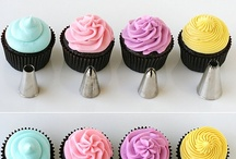 Frosting and Decorating Tips / by Jana Thompson