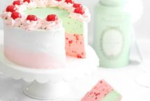 Cake & Frosting Recipes / by Natalie