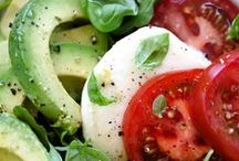 I gotta eat!! / Delicious and healthy options for eating and snacking! / by Megamoo