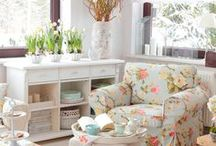 Cottage Style / by Terri Roberts
