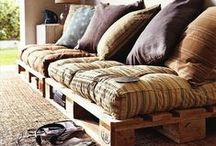 Pallet Daybeds/Sofas and more Rustic Bedroom Ideas