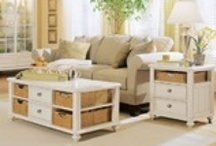Coffee tables & end tables / by Hannah Elgin