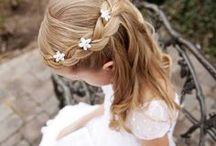 Hair *Inspiration* / Lange Haare mit oder ohne Farbe, offen oder als Zopf mit Blumen verziert oder Solo, diese Board bietet Inspiration für jeden Anlass...