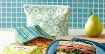 Schule : *Lunch Box* / Spätestens mit dem Eintritt in die Schule brauchen die Kinder täglich ein Pausenbrot. Gesunde Inspiration - auch jenseits der klassischen Stulle -  und praktische Helfer, Verpackungen und Gimmicks findet ihr gesammelt hier auf dem Board!