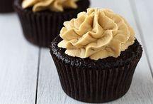 Cupcakes / by Jill | Dulce Dough