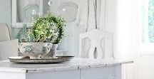 White interiors / My favorite color by far is white. And I love looking at homes with all white interiors and that do white living at its best.