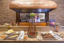 """TEPE OCAKBAŞI /  """"Tepe Ocakbaşı Restaurant""""' da özenli bir servis eşliğinde yöresel kebap çeşitleri ve dünya mutfaklarından seçkin örnekler sunuluyor.  Authentic examples of local and international cuisines and a careful service are offered in """"Tepe Ocakbaşı Restaurant"""""""