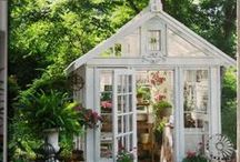 › greenhouse ‹ / I wish one day my husband will build one of these for me. Until then, I will dream big and collect inspiration.