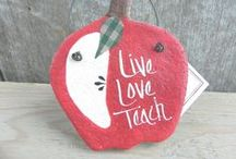 Gifts for the Teacher / My mom was a teacher for years so I have a special place in my heart for them! Here are some great gift ideas for a teacher you know and love.