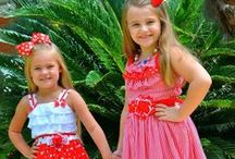 Coordinated children clothing and matching sister dresses / You will find here all the coordinated smocked dresses and outfits for your children family portraits and special events,  as well as smocked clothing for Easter, 4th of July, Halloween, Thanksgiving and Christmas.