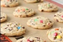 Baking... And Treats! / by Dana Pruner