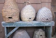 BEE sKepS, bIrDiEs, and YARD PriTtY's / by Debbie Munroe Bacorn