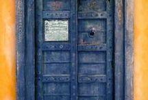 La Puerta / by Ariana Causor