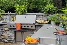 Outdoor Kitchens / Whether you're looking to completely customize an outdoor kitchen for your patio or deck area or to simply spruce up your current area, our product experts at Ferguson Bath, Kitchen & Lighting Gallery are here to offer a wide array of outdoor kitchen appliances and accessories available for every budget.