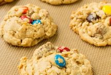 * Cookie Cravings / Crispy, crunchy, salty, sweet, chewy, I crave cookies!
