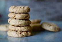 Recipes: Sweet Treats / by Nicole Schmidt
