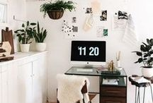 Office Interior + Decor / Office decor and home decor to create your own home office. The most beautiful office decor to create a space where you can create and work peacefully.