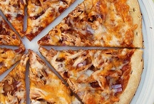 Pizza / by Suzanne Tahershamsi