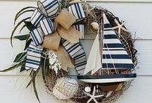 Wreaths / Your door deserves to be decorated.