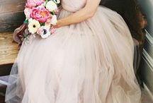 Blush Pink Wedding Ideas / Blush Pink Wedding Style Blush Wedding Decor Styling Blush Wedding Examples Blush Pink Wedding Photos Blush Pink Ceremony Blush Pink Reception by Sail and Swan