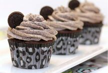 Cupcakes and muffins / Making them with cake mix and more / by Jeanette Wah-Duffy