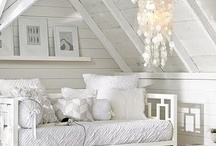 color me white and cream / by Juliana Kerrest