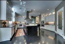 Home of the Day / A daily showcase of high-end residential real estate properties featured on Minneapolis - St.Paul Business Journal.